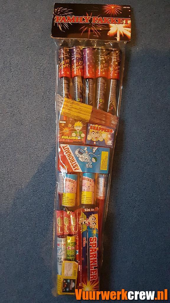 familie pakket 889556 by pyrofan#1 in Cakes en fonteinen
